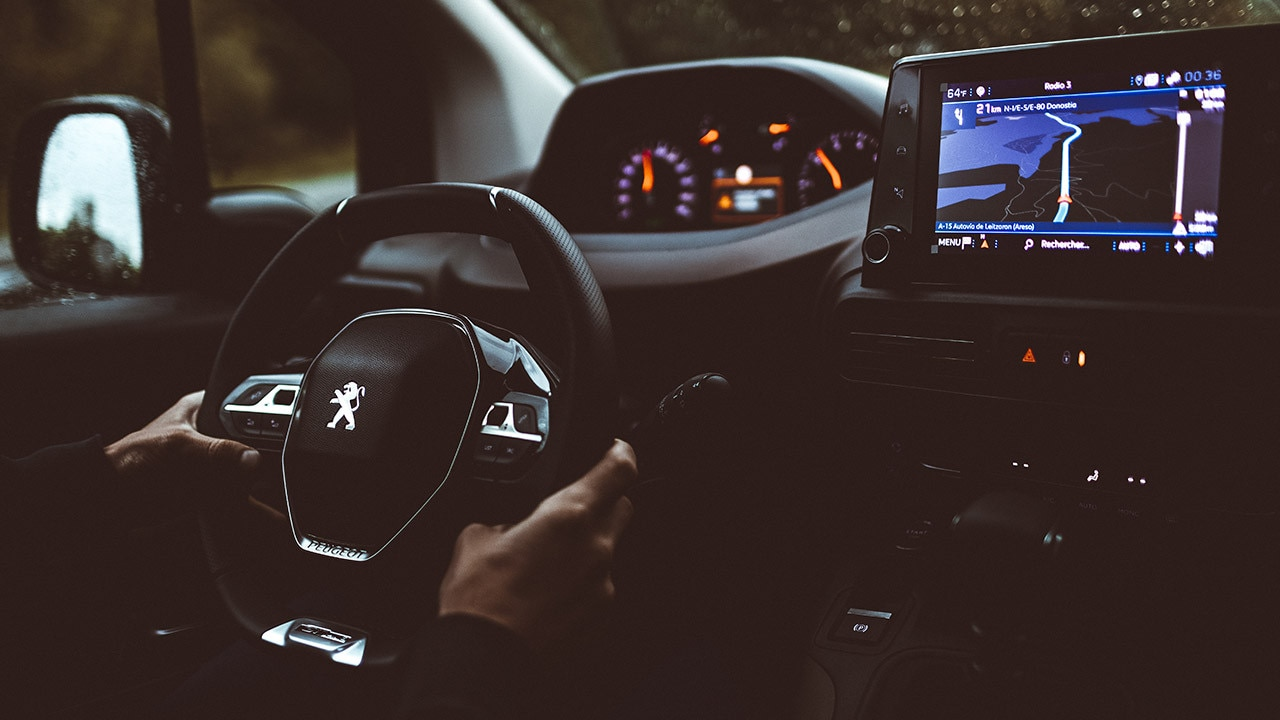 NOUVEAU PEUGEOT RIFTER - PEUGEOT i-Cockpit®